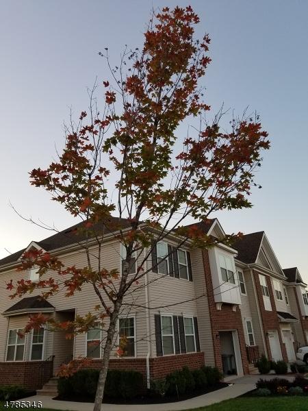 Maison unifamiliale pour l à louer à 8 Clifford Circle Franklin, New Jersey 08873 États-Unis
