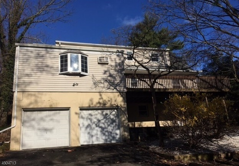Single Family Home for Sale at 730 Hemlock Drive Oradell, New Jersey 07649 United States