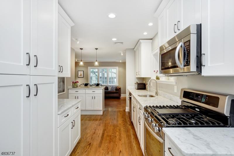 Casa Unifamiliar por un Venta en 205 Wyoming Avenue Maplewood, Nueva Jersey 07040 Estados Unidos