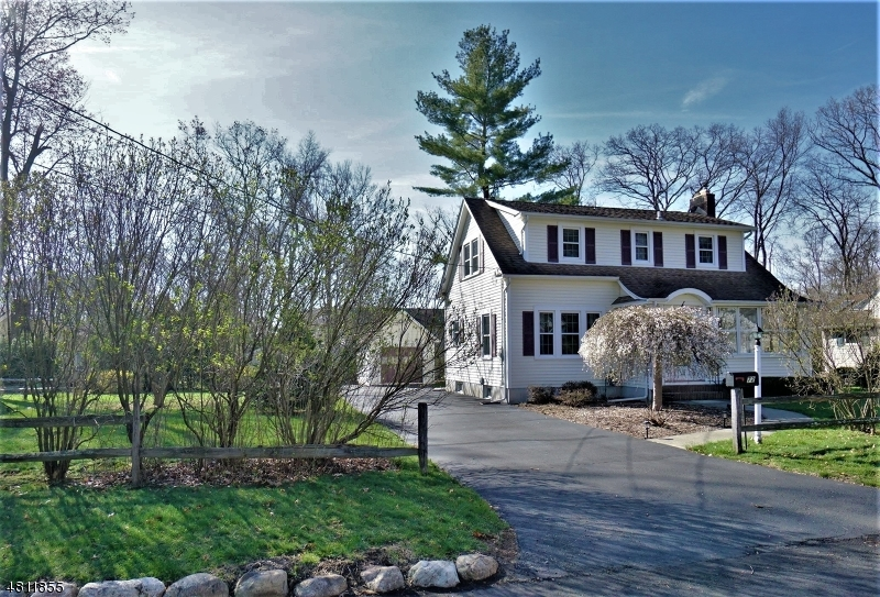 Single Family Home for Sale at 52 OLD STONE CHURCH RD 52 OLD STONE CHURCH RD Upper Saddle River, New Jersey 07458 United States