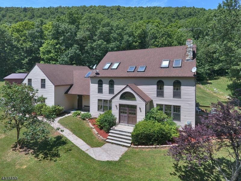 Частный односемейный дом для того Продажа на 333 MATTISON RESERVOIR Avenue Frankford Township, Нью-Джерси 07826 Соединенные Штаты