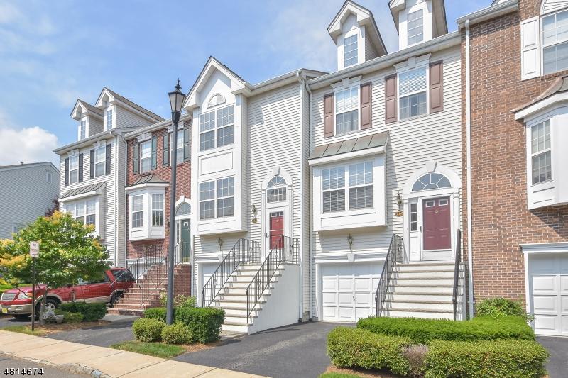 Кондо / дом для того Аренда на 233 Swathmore Drive Nutley, Нью-Джерси 07110 Соединенные Штаты