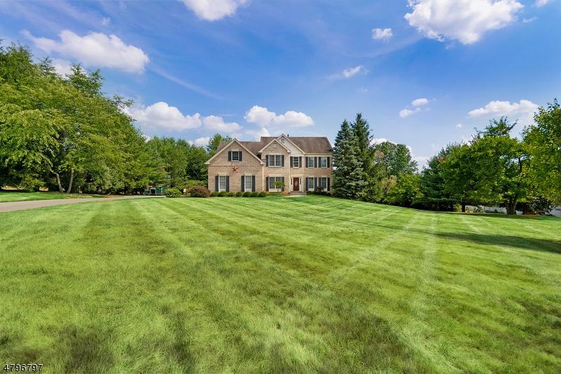 Enfamiljshus för Försäljning vid 4 Hilltop Road Milford, New Jersey 08848 Usa