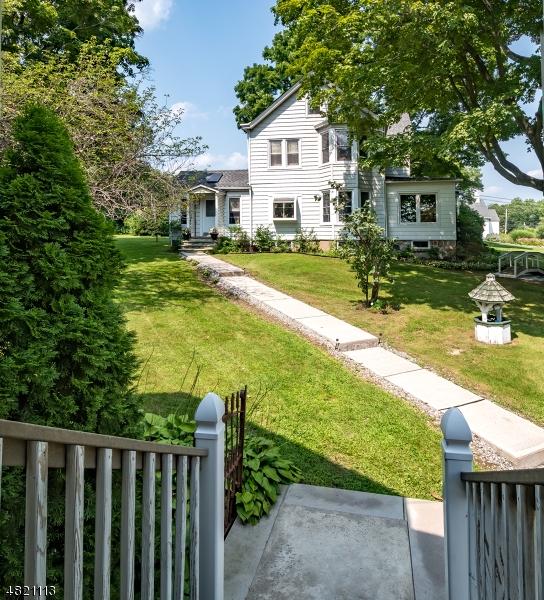 다가구 주택 용 매매 에 1343 MACOPIN Road West Milford, 뉴저지 07480 미국