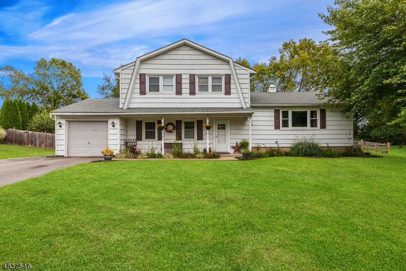 Property por un Venta en 46 LYNNFIELD TER Lopatcong, Nueva Jersey 08865 Estados Unidos