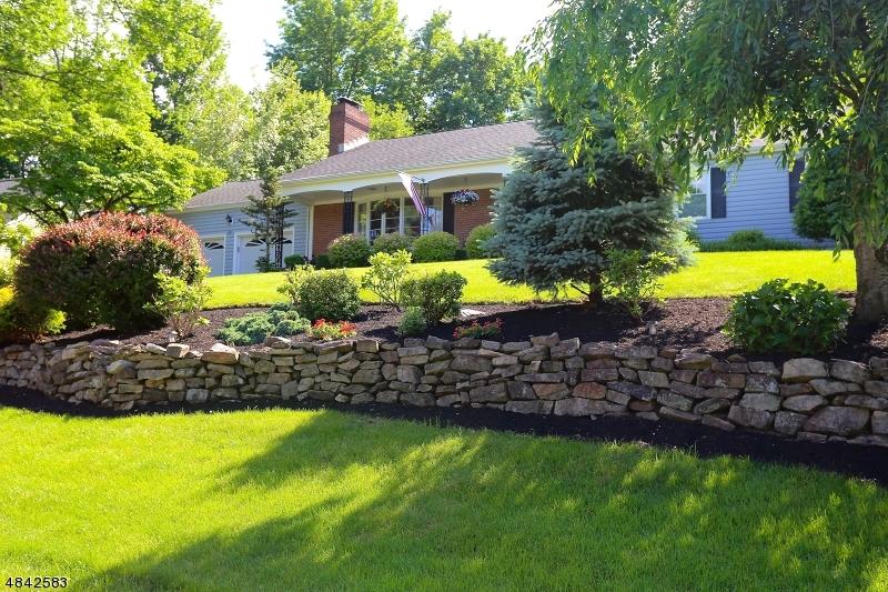 独户住宅 为 销售 在 491 BAYBERRY Lane Mountainside, 新泽西州 07092 美国