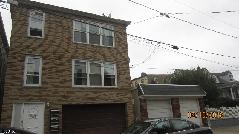 Multi-Family Homes للـ Sale في Guttenberg, New Jersey 07093 United States