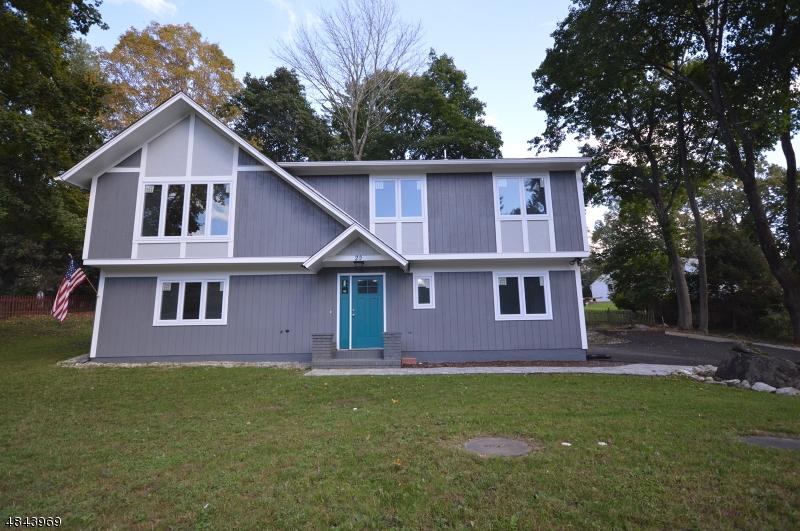 Tek Ailelik Ev için Satış at 20 POTTER Avenue Andover, New Jersey 07860 Amerika Birleşik Devletleri