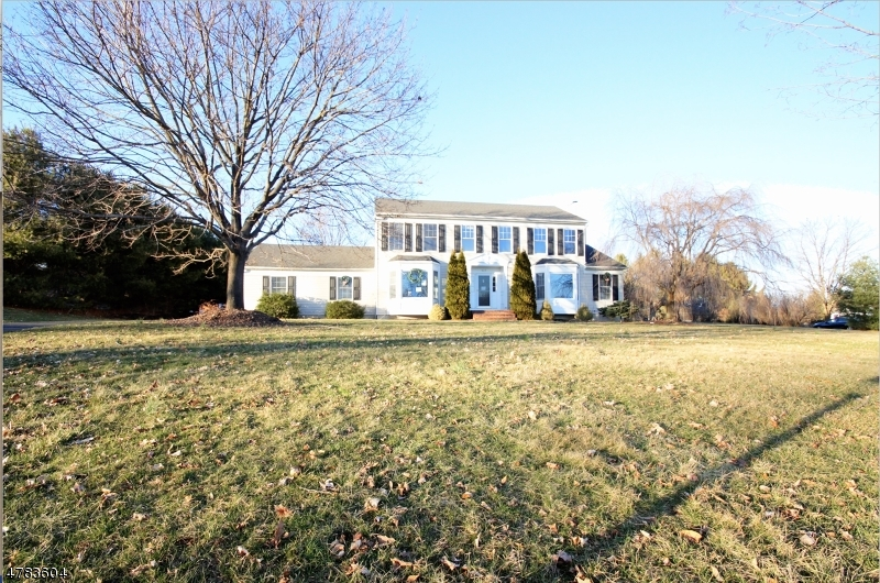 Single Family Home for Sale at 603 DEBRA Lane Greenwich, New Jersey 08886 United States