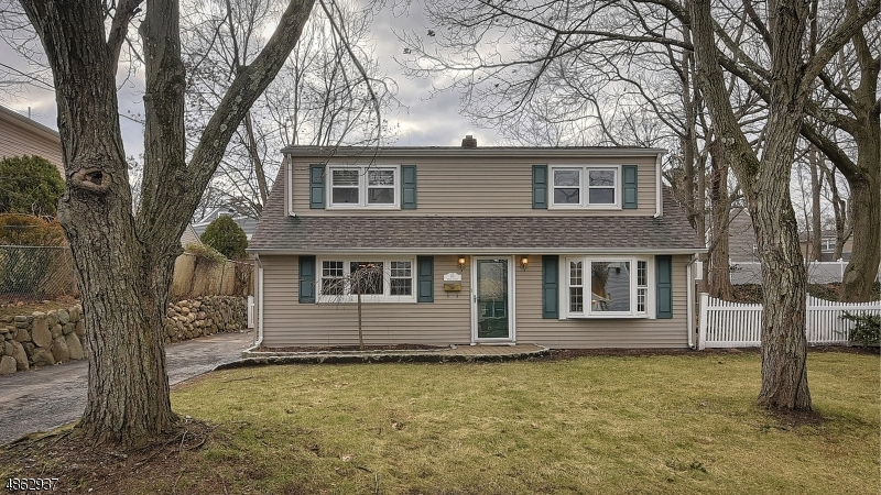 Single Family Home for Sale at 63 SPRUCE ST 63 SPRUCE ST Midland Park, New Jersey 07432 United States