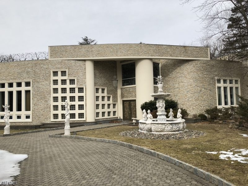 Single Family Home for Sale at 3 CAMERON RD 3 CAMERON RD Saddle River, New Jersey 07458 United States