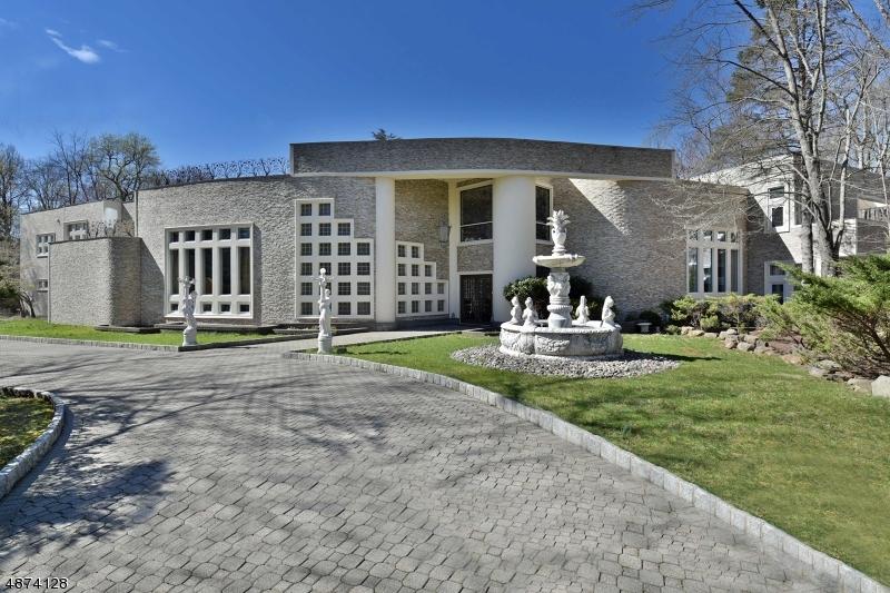 Частный односемейный дом для того Продажа на 3 CAMERON Road Saddle River, Нью-Джерси 07458 Соединенные Штаты