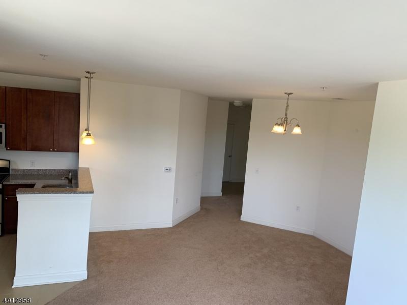 Property للـ Rent في Rahway, New Jersey 07065 United States