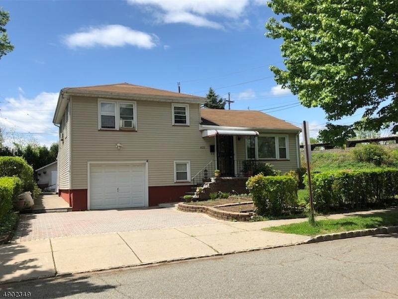 Single Family Homes för Försäljning vid Roselle Park, New Jersey 07204 Förenta staterna