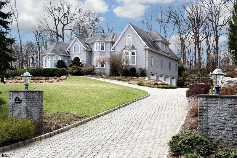 Single Family Homes per Vendita alle ore Saddle River, New Jersey 07458 Stati Uniti