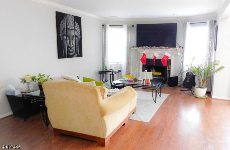 Condo / Casa geminada para Alugar às Paterson, Nova Jersey 07501 Estados Unidos