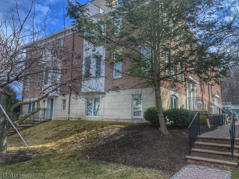 Condominio/ Casa de pueblo por un Venta en Dover Township, Nueva Jersey 07801 Estados Unidos