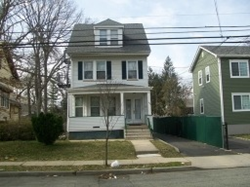 Casa Multifamiliar por un Venta en Address Not Available Irvington, Nueva Jersey 07111 Estados Unidos