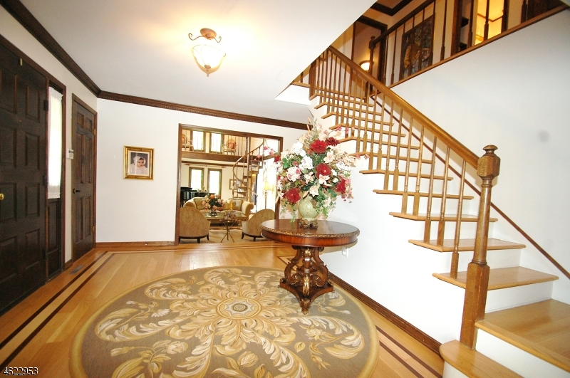 Additional photo for property listing at 62 Glen Eagles Drive  Watchung, Нью-Джерси 07069 Соединенные Штаты