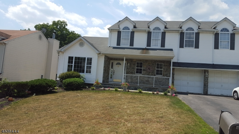 Additional photo for property listing at 29 Elinora Drive  Wanaque, New Jersey 07465 États-Unis