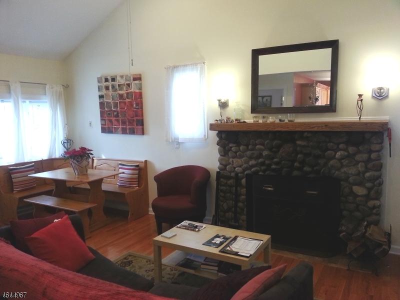 Additional photo for property listing at 86 Hiawatha Blvd  Lake Hiawatha, New Jersey 07034 United States