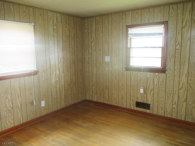 Additional photo for property listing at 200 Cooper Street  Manville, New Jersey 08835 États-Unis