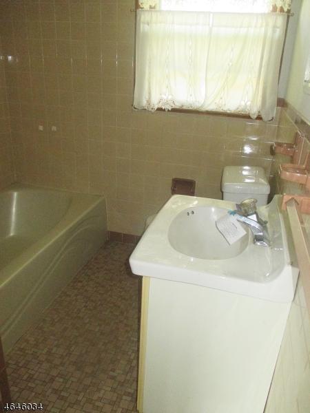 Additional photo for property listing at 200 Cooper Street  Manville, Nueva Jersey 08835 Estados Unidos