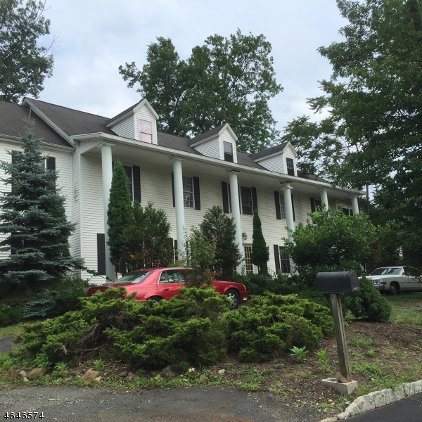 Additional photo for property listing at 3 Bachman Ter  West Orange, New Jersey 07052 États-Unis