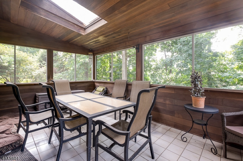 Additional photo for property listing at 24 Beaver Ridge Road  Morris Plains, New Jersey 07950 États-Unis