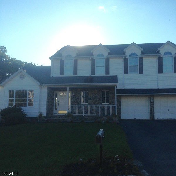 Single Family Home for Sale at 29 Elinora Drive Wanaque, 07465 United States