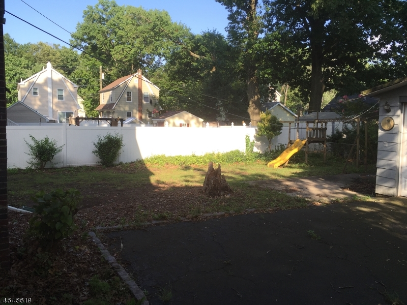 Additional photo for property listing at 659 Newark Avenue  Kenilworth, New Jersey 07033 États-Unis