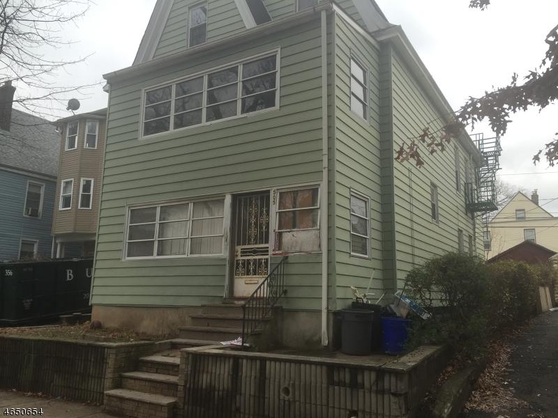 Maison avec plusieurs logements pour l Vente à Address Not Available East Orange, New Jersey 07018 États-Unis