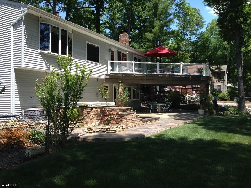 Casa Unifamiliar por un Alquiler en 1642 Van Buren Drive North Brunswick, Nueva Jersey 08902 Estados Unidos