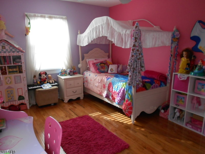 Additional photo for property listing at 31 N 6th Street  Kenilworth, New Jersey 07033 États-Unis