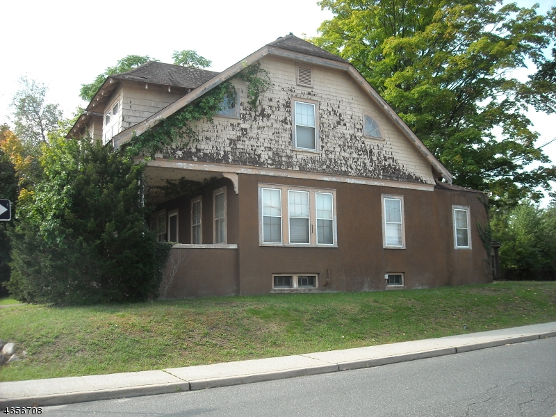 Additional photo for property listing at 13 N Central Avenue  Ramsey, New Jersey 07446 États-Unis