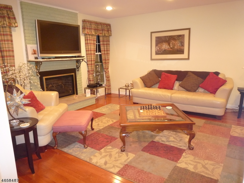 Additional photo for property listing at 6 S Aberdeen Drive  Mendham, New Jersey 07945 États-Unis