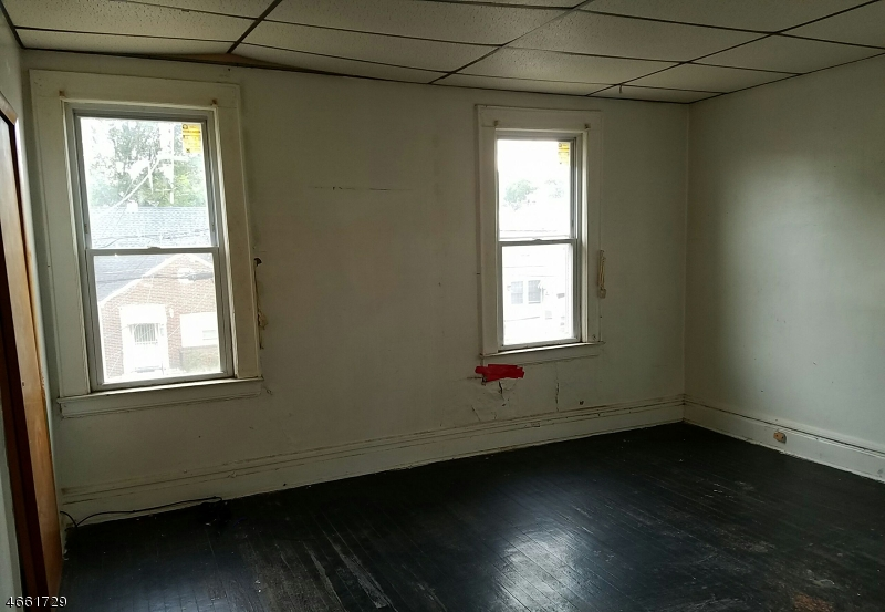 Additional photo for property listing at 80 Paine Avenue  Irvington, 新泽西州 07111 美国