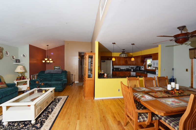 Additional photo for property listing at 16 Northgate Park  Ringwood, New Jersey 07456 États-Unis