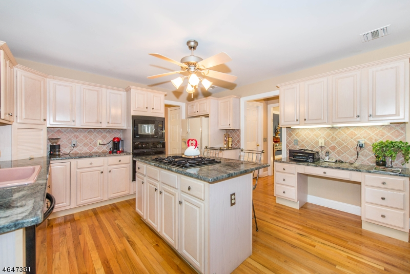 Additional photo for property listing at 14 Stafford Place  Towaco, New Jersey 07082 United States