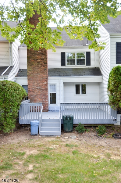 Additional photo for property listing at 71 Hampshire Drive  Mendham, New Jersey 07945 États-Unis