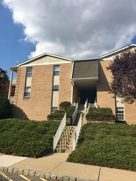 Casa Unifamiliar por un Alquiler en 108 Vista Drive Cedar Knolls, Nueva Jersey 07927 Estados Unidos