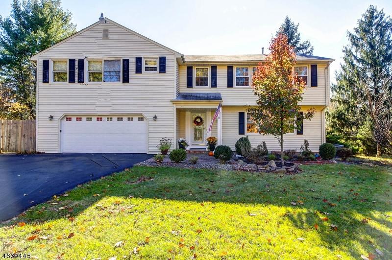 Casa Unifamiliar por un Venta en 33 Regional Road Annandale, Nueva Jersey 08801 Estados Unidos