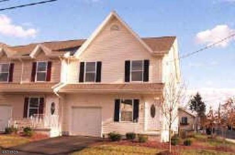 Частный односемейный дом для того Аренда на 315 N 3rd Avenue Manville, Нью-Джерси 08835 Соединенные Штаты