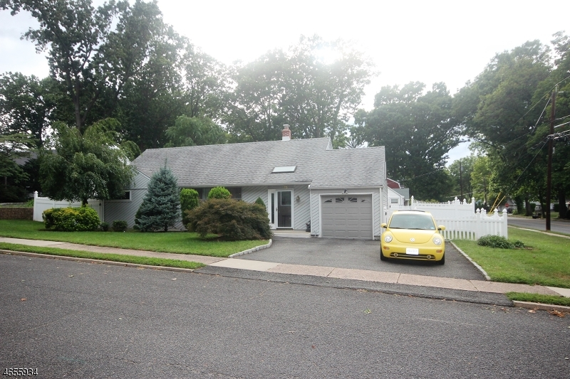 Single Family Home for Sale at 176 Elizabeth Court New Milford, New Jersey 07646 United States