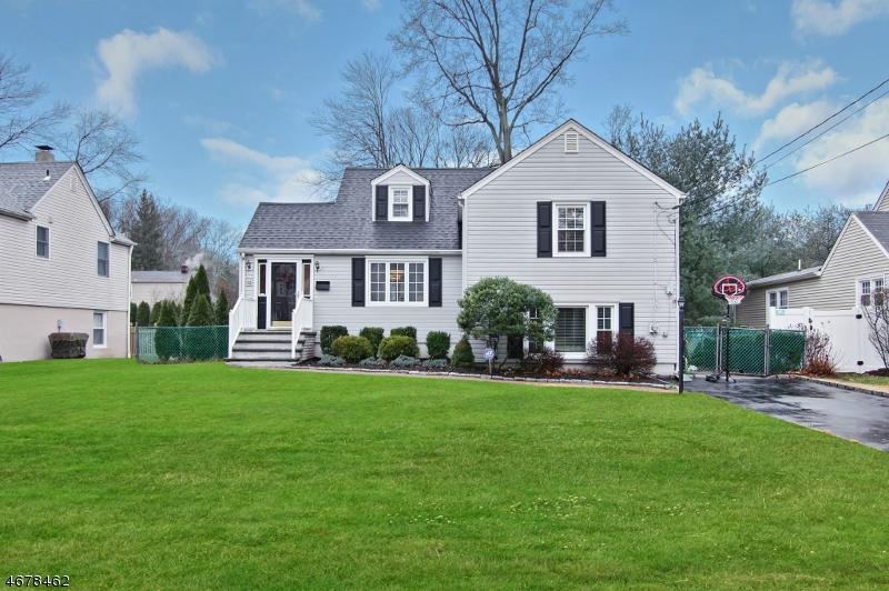 Частный односемейный дом для того Продажа на 32 Elmwood Road Florham Park, 07932 Соединенные Штаты