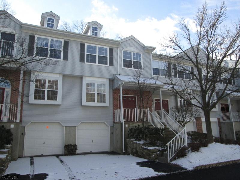 Частный односемейный дом для того Продажа на 15 Hickory Way Mount Arlington, 07856 Соединенные Штаты
