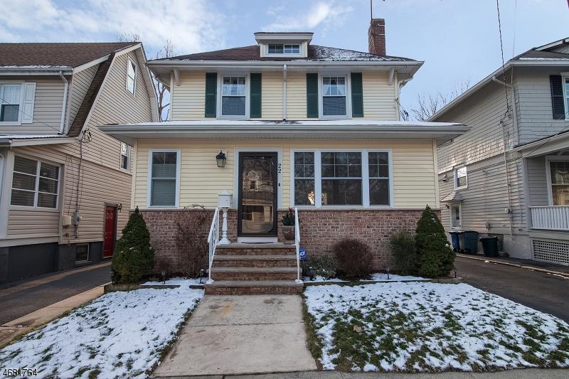 Частный односемейный дом для того Продажа на 22 Rosedale Avenue Millburn, 07041 Соединенные Штаты