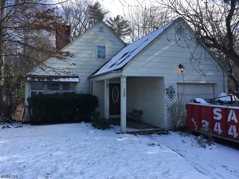 Maison unifamiliale pour l Vente à 123 Lexington Avenue Westwood, New Jersey 07675 États-Unis