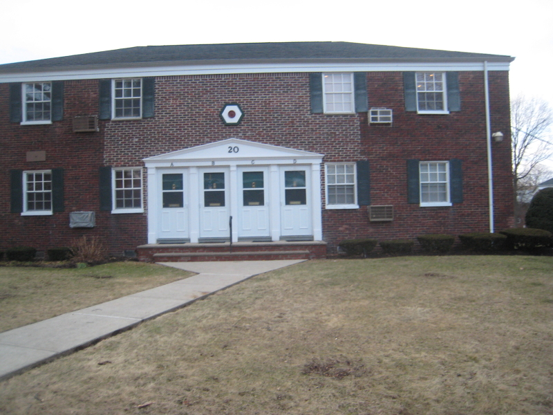 Casa Unifamiliar por un Alquiler en 20C W ROSELLE Avenue Roselle Park, Nueva Jersey 07204 Estados Unidos