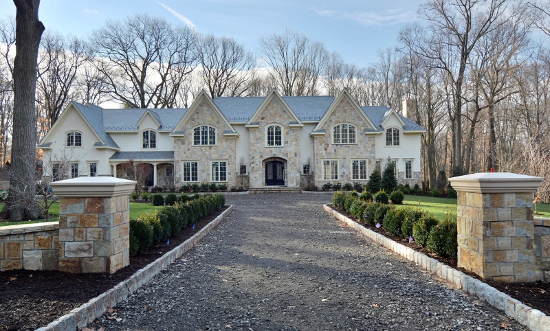 Maison unifamiliale pour l Vente à 64 Oak Road Saddle River, New Jersey 07458 États-Unis